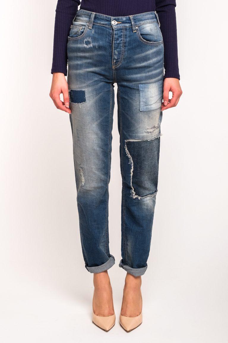 c8d14a2498d Женские джинсы бойфренды с заплатками Armani Jeans купить в Укране ...