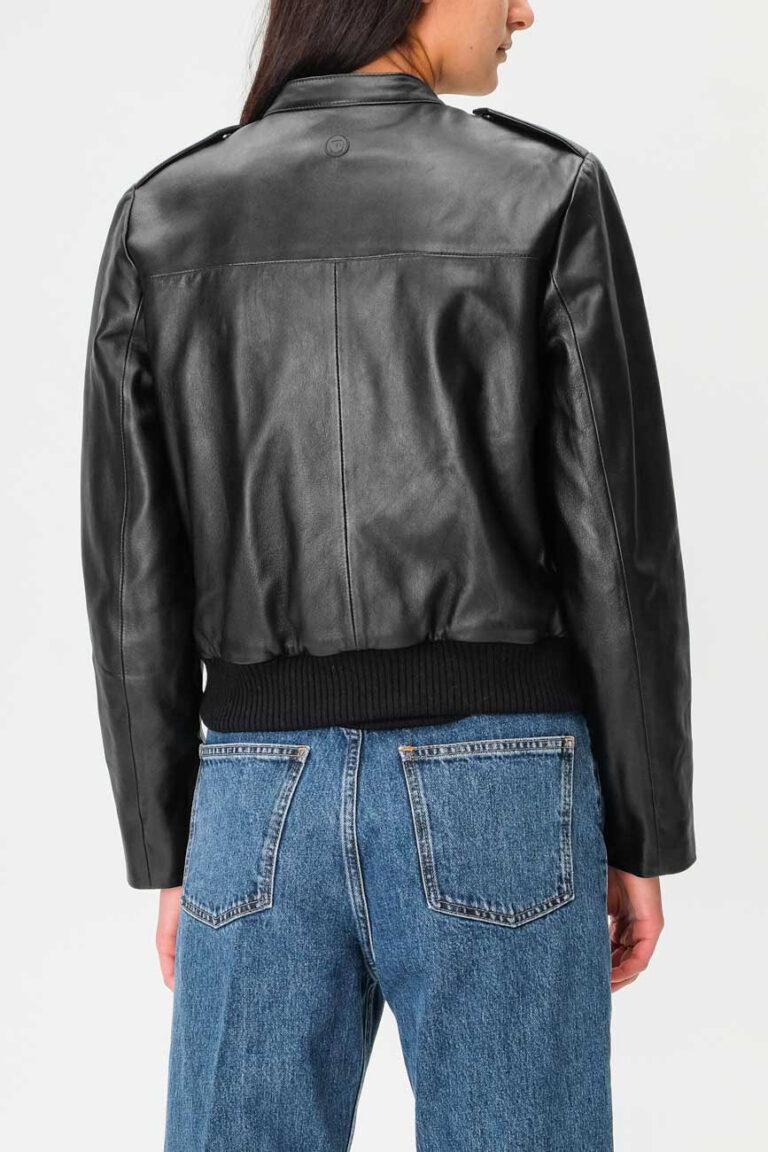 69b80eacd78d Женские прямые брюки под джинс Emporio Armani купить в Укране цена ...